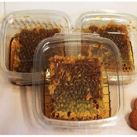 Miel de abeja en panal